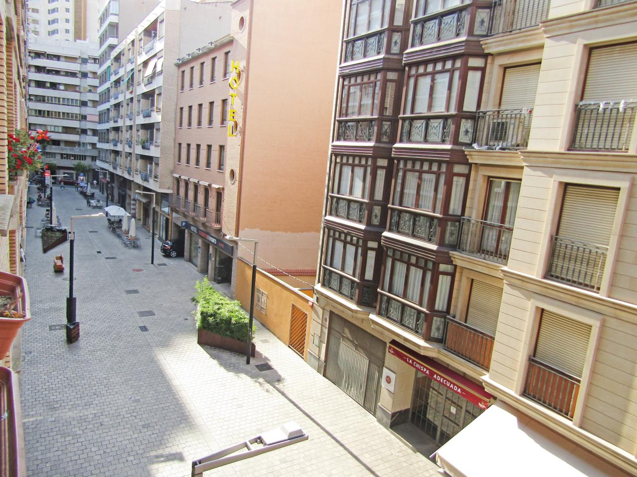 Plaza De Parking en venta en Logroño de 13 m2. Ref: G0105